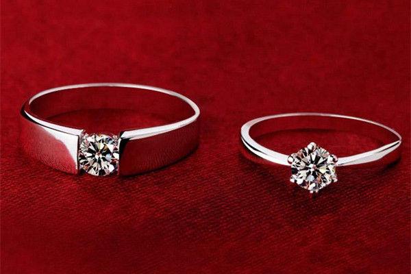 定婚戒指带哪只手  第3张