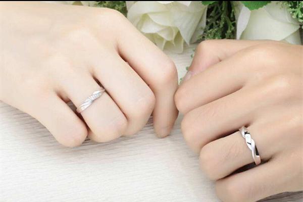 戒指怎么看大小 男女适合戴多大的戒指