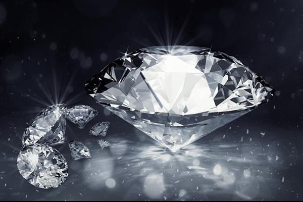 钻石自己拿去哪里鉴定 费用是多少  第1张