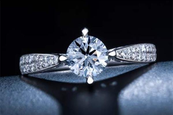 钻石主要看什么  第1张