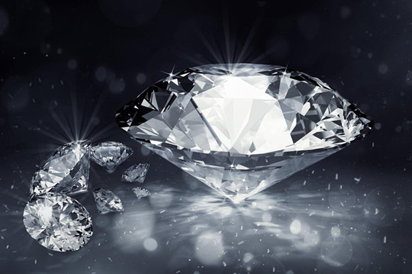 钻石什么成色最好