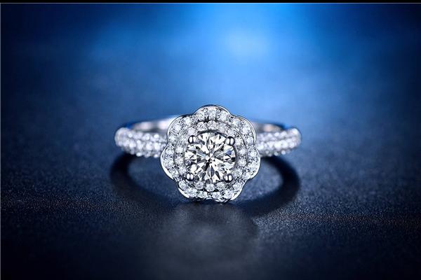 5克拉的钻石有多大  第1张