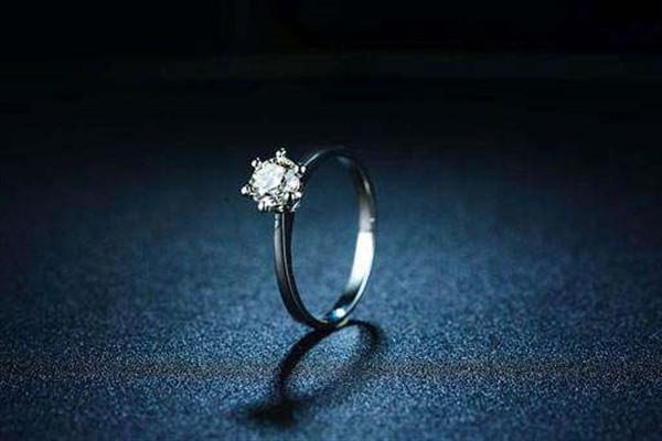 pt钻戒是什么意思 - 中国婚博会