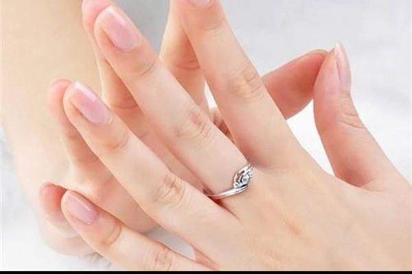 订婚戒指是结婚戒指吗