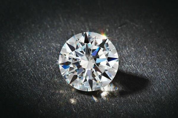 买钻石怎么选  第1张