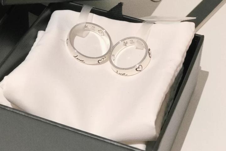 情侣戒指哪里买  第1张