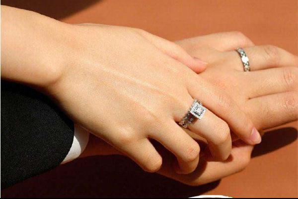 结婚对戒如何选择