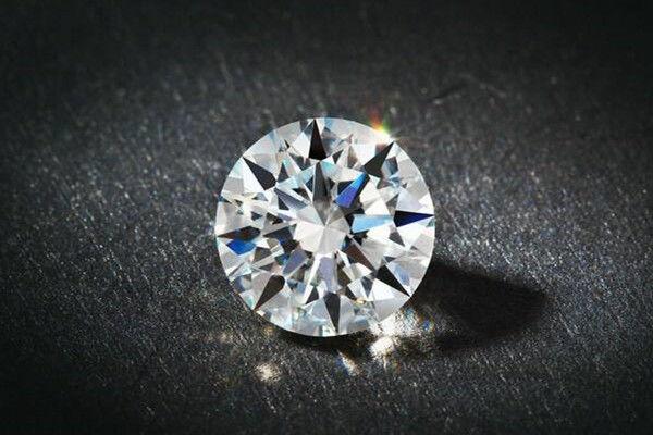 什么是钻石4c  第2张