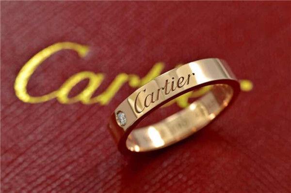 热恋的情侣戒指怎么戴  第3张