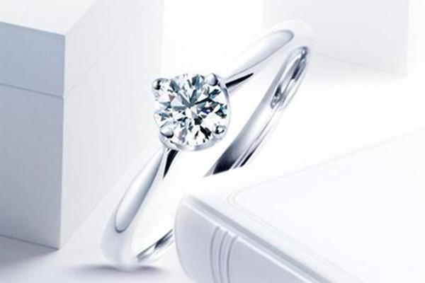 结婚是买钻戒还是对戒