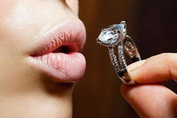 怎样分辨钻石的真假  第3张